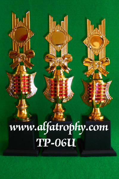 Trophy Plastik Murah